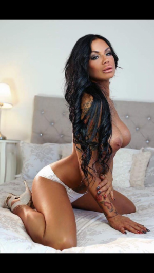 Ashley Escort in Athens
